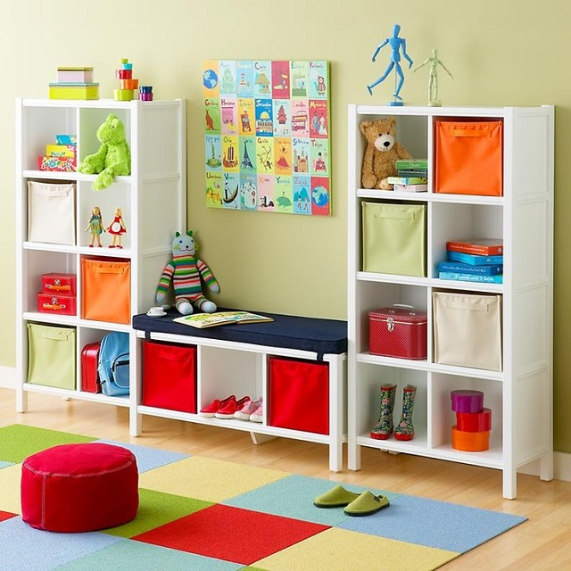 (http://www.goodshomedesign.com/clever-kids-room-storage-ideas/)
